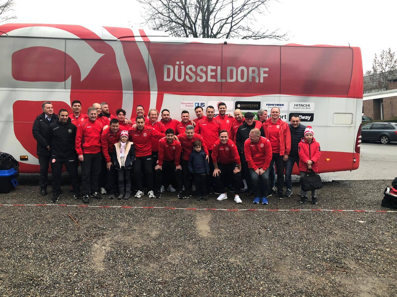 Ex-Bundesligakicker spielen im von-Waldthausen-Stadion  in Neuss-Norf